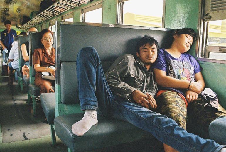 หมอนรถไฟ