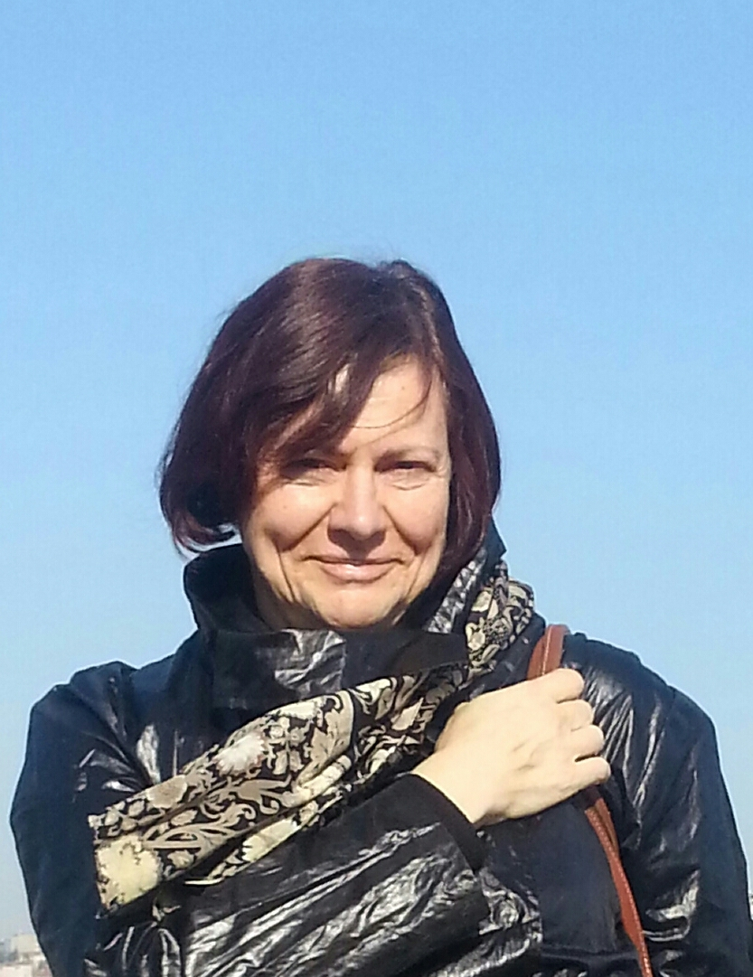 Dina-on-shore-Balat-2013